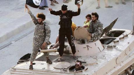 70 high-threat jihadists have returned to Britain, as terrorists slip through border checks