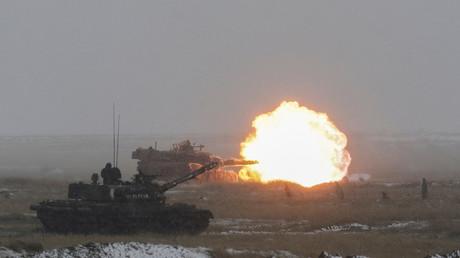 FILE PHOTO: US M1 Abrams tanks © Inquam Photos/Octav Ganea/via Reuters