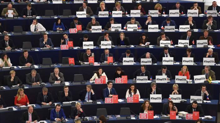 Eurodiputados muestran su rechazo al CETA