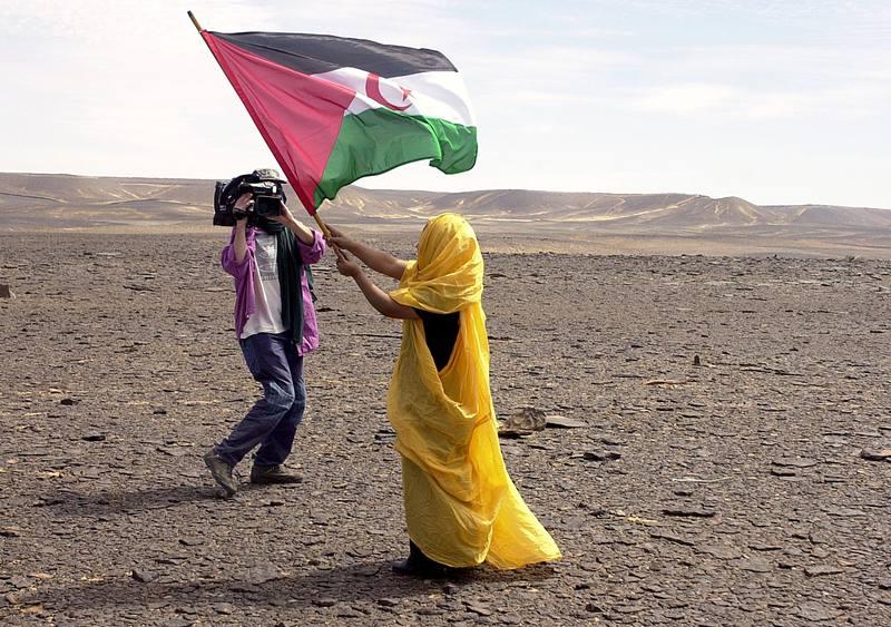 Los saharauis reclaman su derecho de autodeterminación 42 años después de que España cediera la soberania de la excolonia a Marruecos y Mauritania.