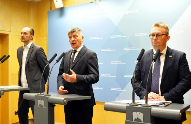 Akos claims that they were not aware of the contents of the complaints mentioned by Minister Medved at the press conference.  Photo: BoBo / Borut Živulović