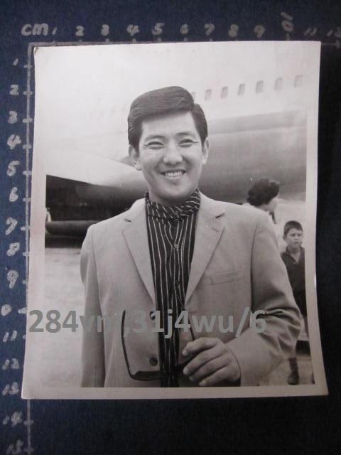 懷舊原版黑白老照片--早期男星 朱牧 - 露天拍賣
