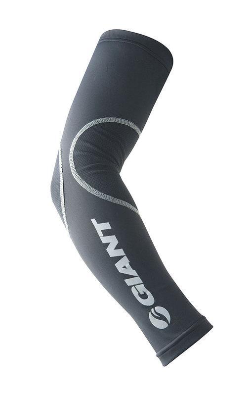 公司貨 捷安特 GIANT SWEEP Ⅱ 專業袖套 黑 萊卡布種 UPF50+抗UV紫外線 - 露天拍賣