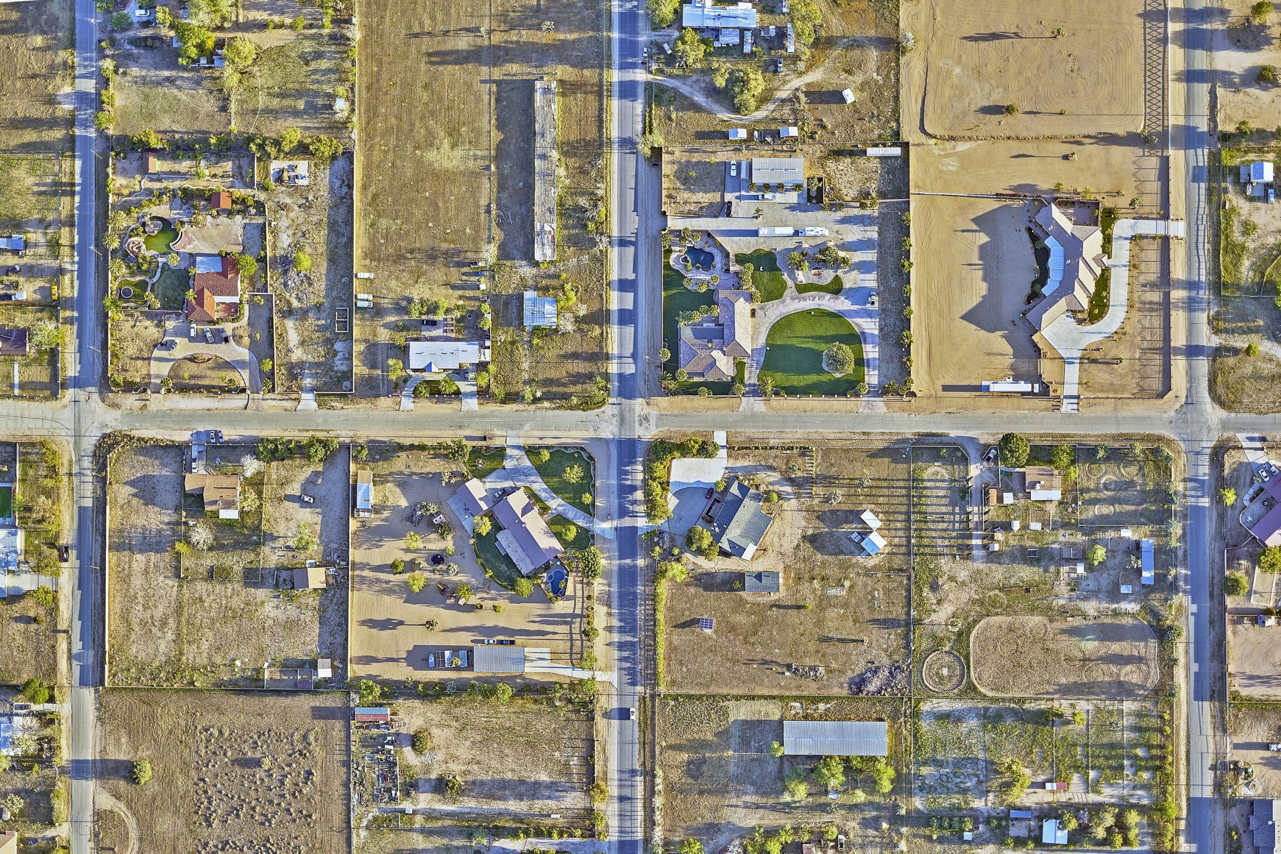An aerial photo of the drought in Palmdale, California.