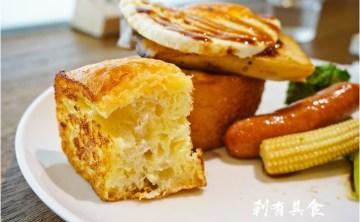[台中早午餐] 田樂三店(學院店) @中國醫商圈 老宅再進化 鹹食甜食法式吐司 人潮一樣排很長