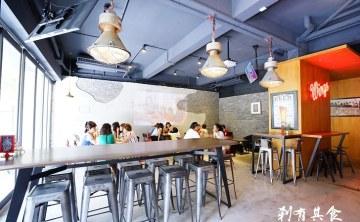 [台中北區早午餐] EMMA'S CAFE @隱身在巷弄裡的工業風咖啡廳 (WIFI+插頭)