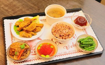 鳳凰蔬食館 | 台中蔬食餐廳(已歇業)