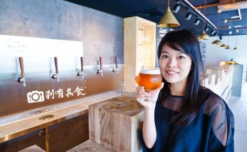 VVG Beer Play | 台中歌劇院美食 台灣精釀啤酒+罐頭酒吧 新創意酒吧 K&K味噌咖哩秋刀魚好吃!