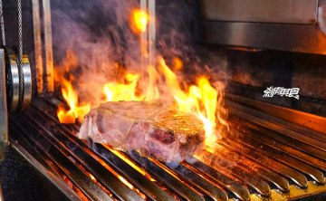 FORE Restaurant 原木柴燒牛排 | 台中西區美食 四人分享餐吃肉好過癮! 2018美國牛排月活動