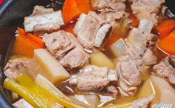 【壓力鍋食譜影片】 蘿蔔排骨湯 天冷幫孩子燉鍋湯吧~