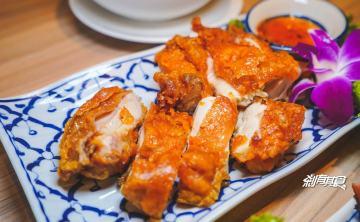 洛查理泰式料理 | 台中東區美食 網友高評價的泰式餐廳 適合朋友家庭聚餐 (合菜式點餐/好停車)
