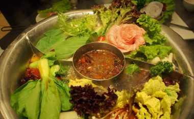 [台北美食]『寬巷子鍋品美食』-麻辣鍋與美的極致饗宴