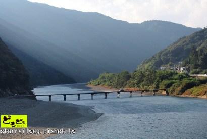 [高知]清流與大自然懷抱中的美麗橋樑-「四萬十川岩國沈下橋」