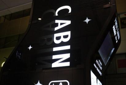 [大阪]道頓堀周邊地點絕佳的FC主題式膠囊旅館(FIRST CABIN)