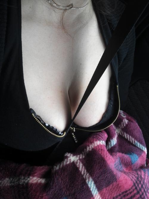 【三次】女の子のけしからんオッパイ画像part3・4枚目