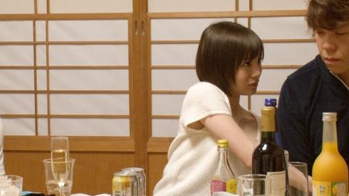 【三次】撮影中の水分補給は全て酒!鈴村あいりちゃんがほろ酔いエロエロモードになって濃厚セックスしちゃってるエロ画像・26枚目