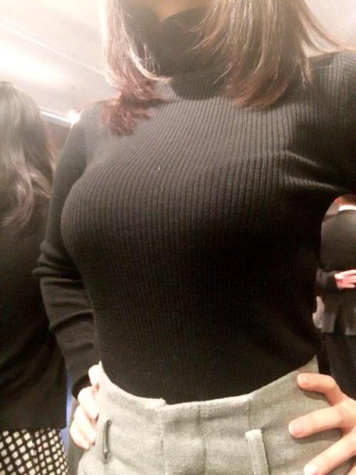 【三次】女の子の着衣おっぱいエロ画像part2・3枚目
