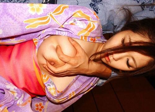 【三次】浴衣や着物を身にまとった女の子のエロ画像・22枚目