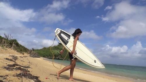 【三次】沖縄で見つけた極上日焼けボディーの女の子(22)にダメ元でAV撮影交渉!まさかのOKを貰えて速攻エロすぎる身体をハメ撮りしまくったエロ画像・5枚目