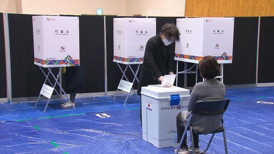 [현장] 재선 투표가 본격화 … 서울 투표율이 50 %를 넘 을까?
