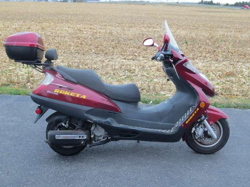2005 Roketa 250cc Motorcycle