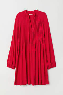 Red Viscose dress with pin-tucks