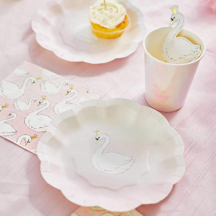 Little Lulubel Swan Party Table