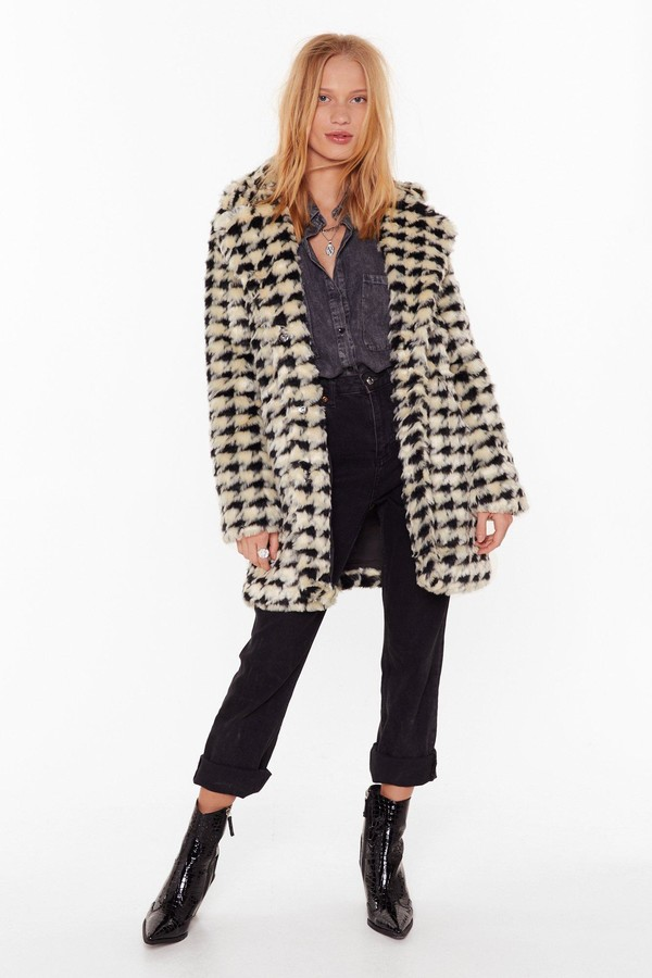 Womens Ain't Nothin' But a Houndstooth Faux Fur Coat - white - S