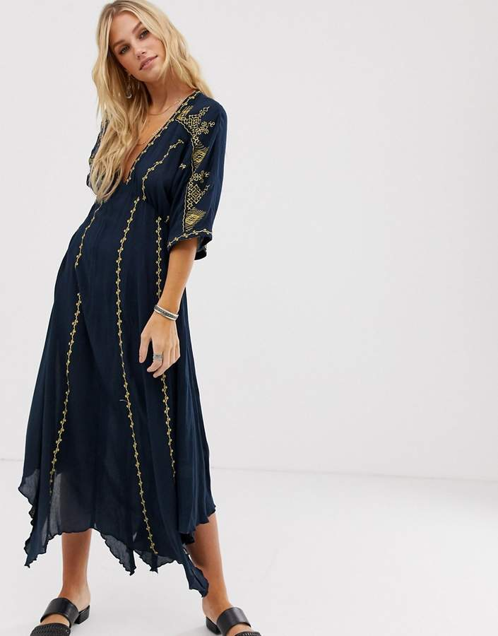 En Crème En Creme plunge front maxi dress with embroidered kimono sleeves