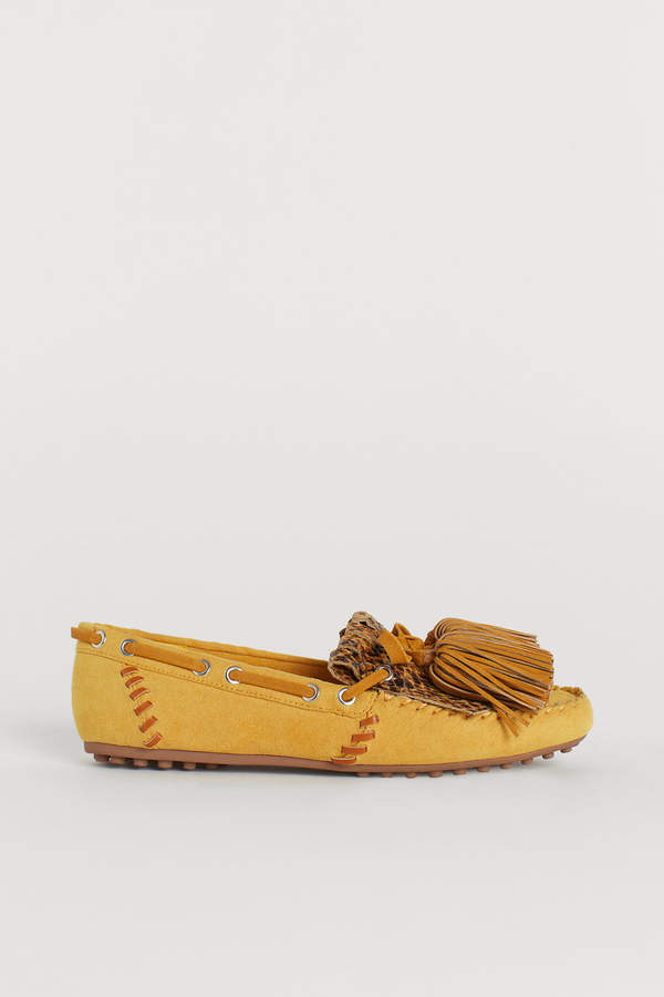 Moccasins with fringes