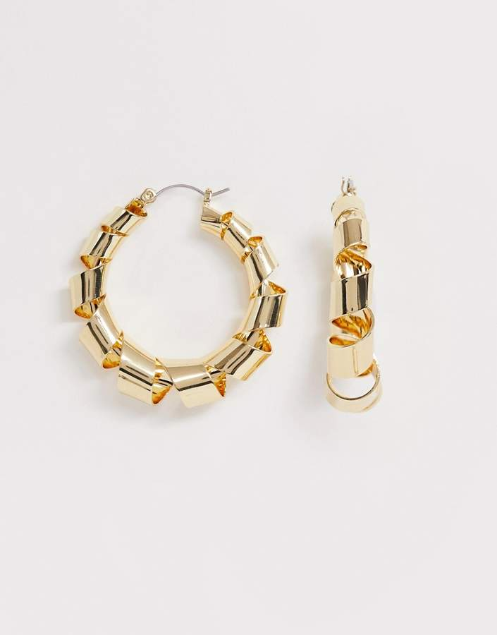 Pieces gold linked hoops