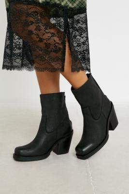 UO Betsey Square Toe Leather Western Boots - black UK 4 at Urban Outfitters