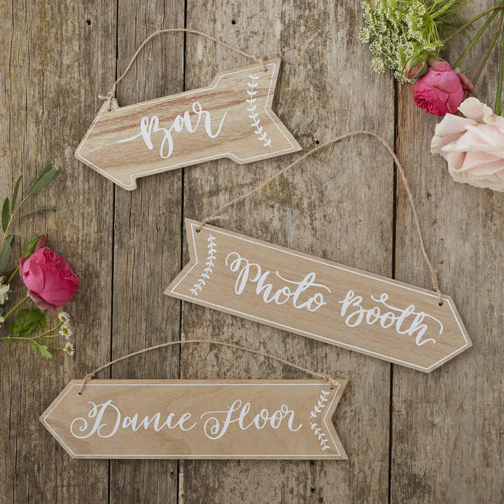 Ginger Ray Vintage Boho Style Wooden Arrow Wedding Signs