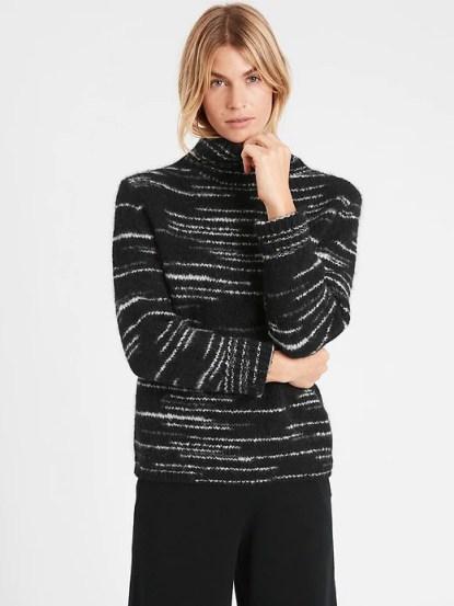 Ann Taylor black and white heathered stripe turtleneck