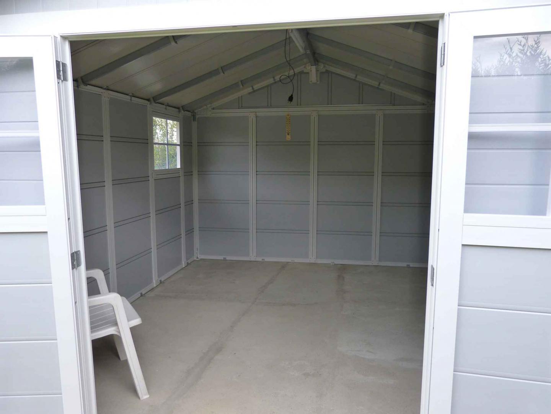 Abri De Jardin En PVC 112m DECO Gris Clair Et Blanc