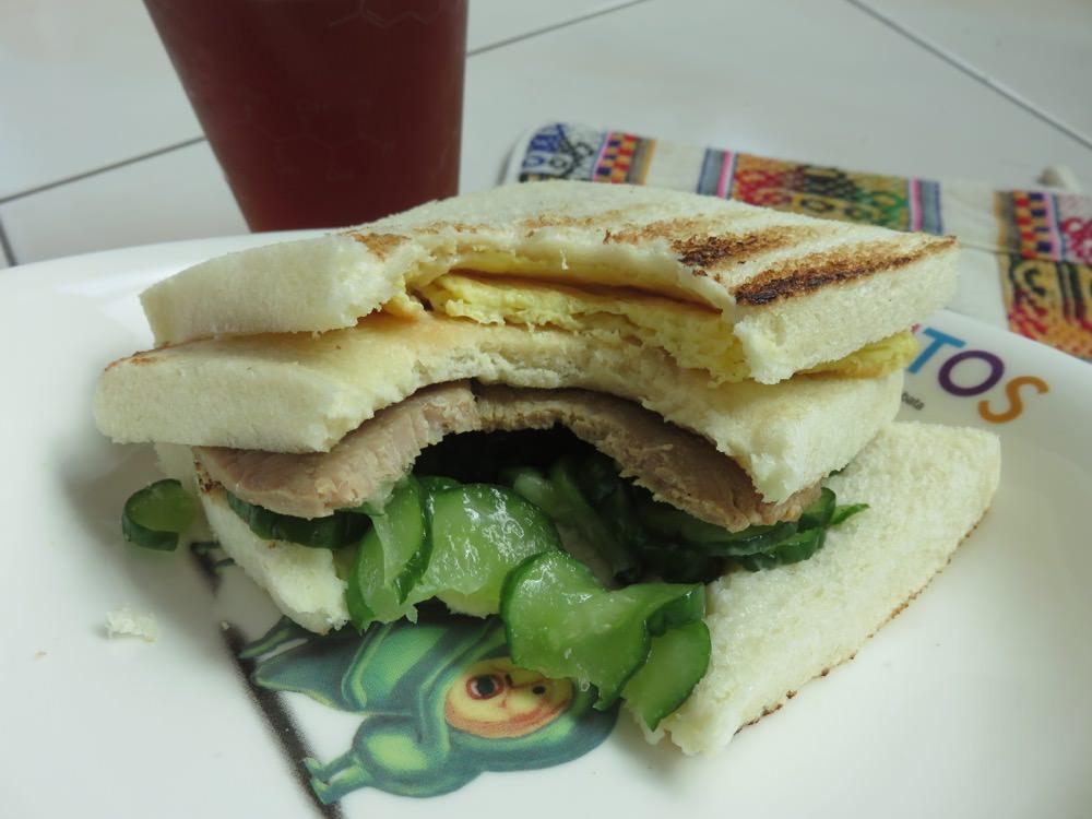 內湖早餐 喜得炭火燒三明治生意不錯 - 老蝦不負責任的人生紀錄