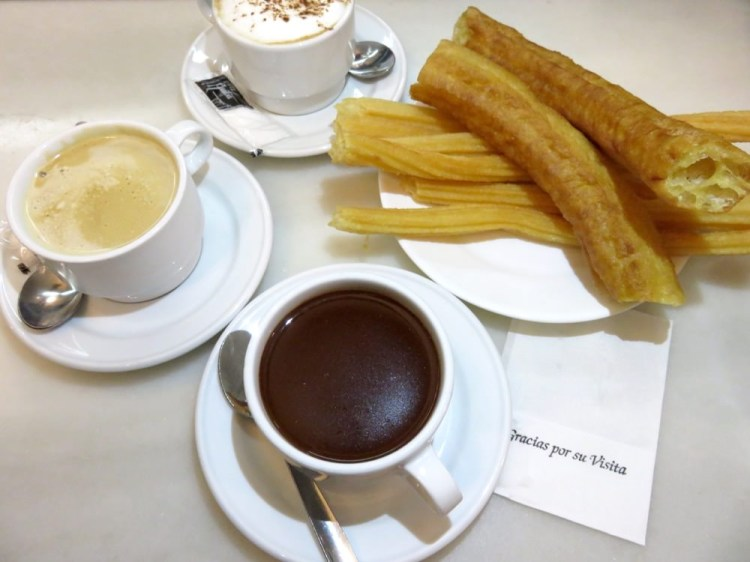 馬德里甜點 西班牙炸油條San Ginés Chocolatería正點