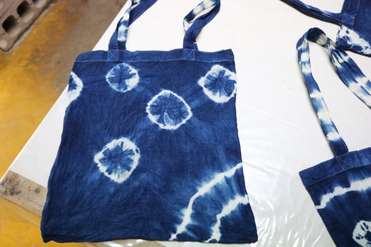 沖繩王國村傳統工藝藍染手作體驗 自己的布袋自己作