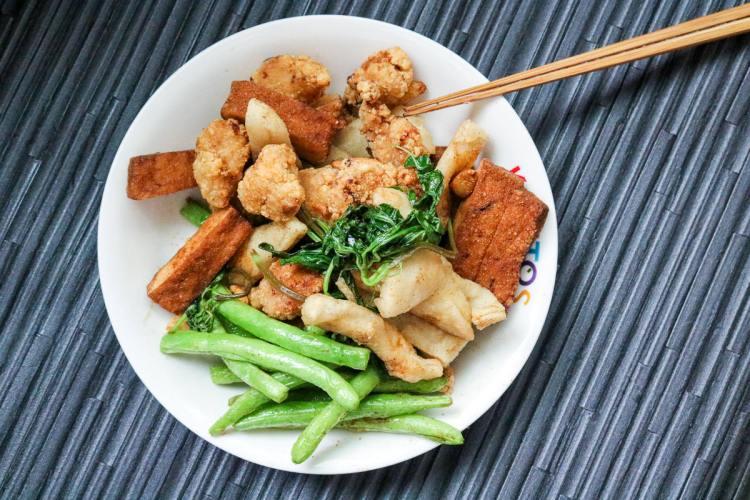 內湖美食 立大鹽酥雞下午茶宵夜週末無休蔬菜最出色