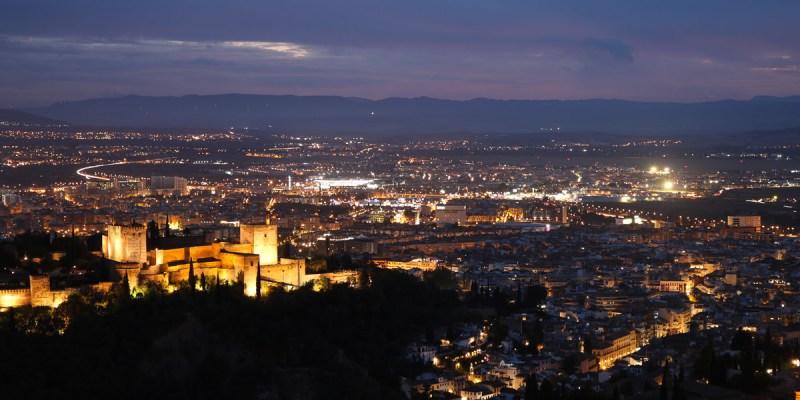 格拉納達阿蘭布拉宮西班牙最美的阿拉伯城市附推薦瞭望台拍大片