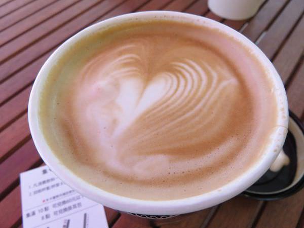 《台北》內湖。醜小鴨咖啡 外帶吧 Express coffee bar 外帶拉花不偷懶