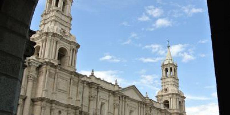 《南美》祕魯。阿雷基帕。Iglesia de la Compañía。教堂 百年孤寂~?