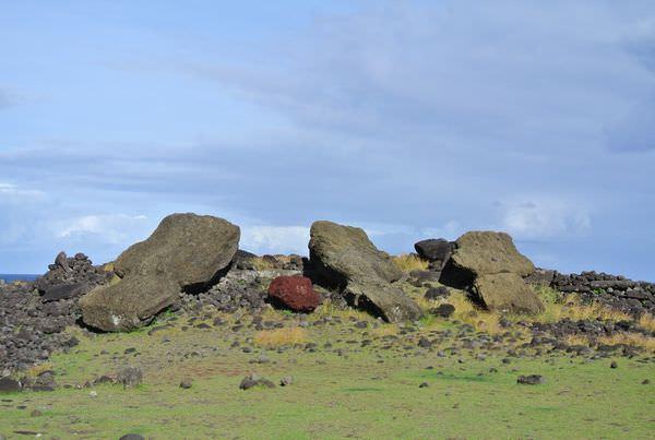 《南美》智利復活島。東部海岸隨興逛。倒塌moai任你看