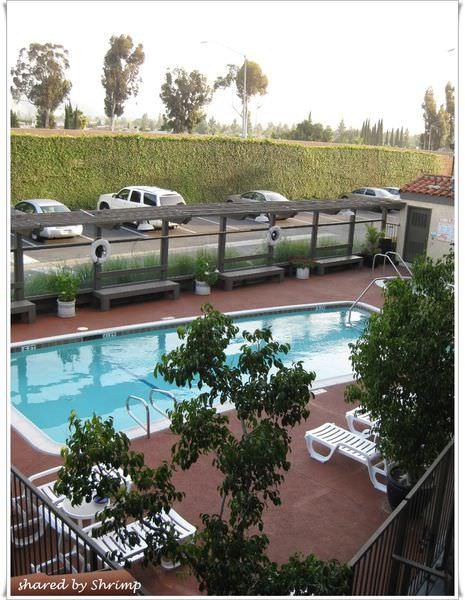 加州Best Western 平價又舒適的商務旅館(+早餐)