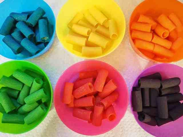 輕鬆染出彩色筆管麵與玩法 DIY Dyed Rainbow Pasta