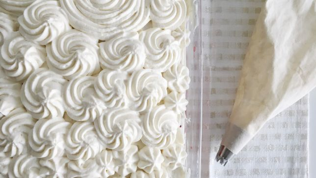 California: Whipped Cream Cheese Frosting