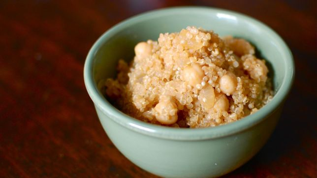 Vegan Chickpea & Quinoa Pilaf