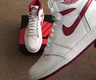 "海外5月6日発売予定 NIKE AIR JORDAN 1 HIGH OG ""Metallic Red"""
