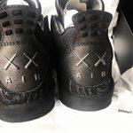 """サンプルモデル画像 KAWS x Air Jordan 4 """"BLACK"""""""