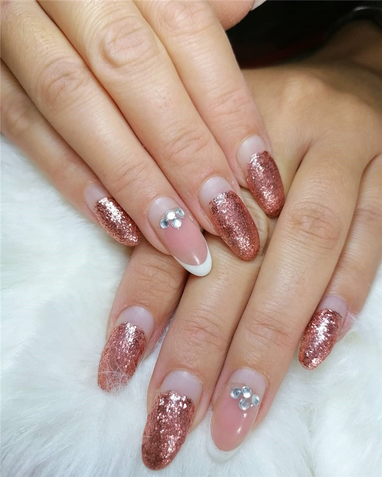 Heart shape and airplane nails, There are 23 elegant and beautiful wedding nail ideas. No matter which you like, you will definitely find the right design here.